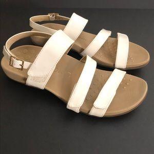 Vionic Shoes - Vionic Teagan Sandal White Size 8